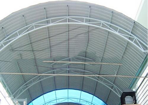 Báo giá tôn mái vòm bao nhiêu tiền một mét vuông 1m2 Làm mái che bằng tôn  sân trọn gói hoàn thiện